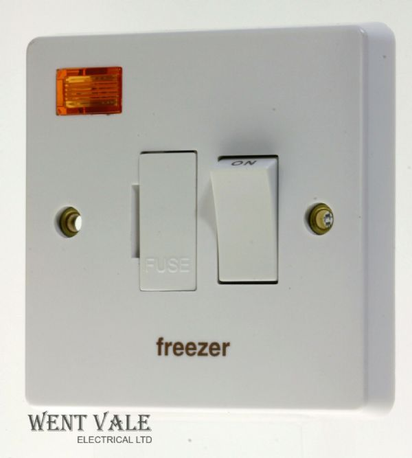 Crabtree Capital - 4827/3/FZ 13a D/Pole Switched Fuse Connection Unit Freezer